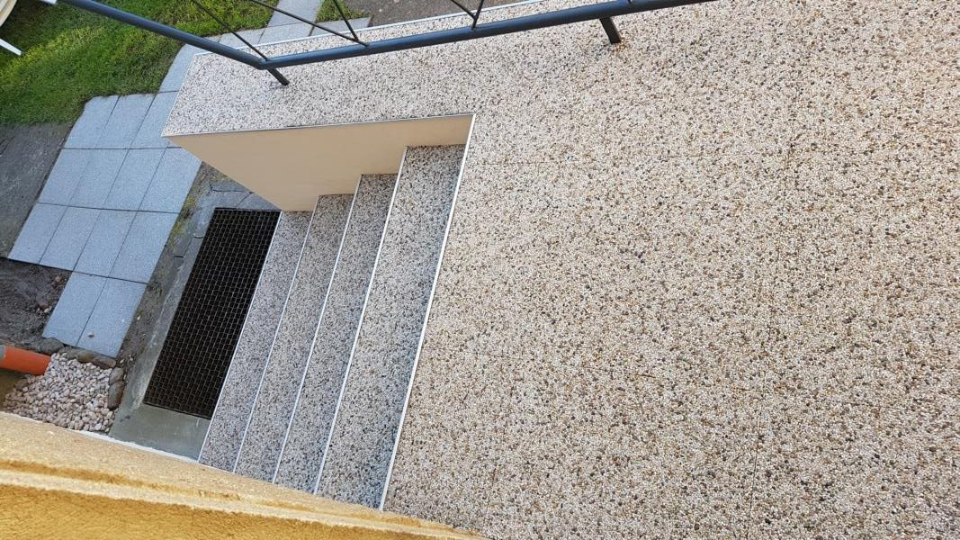 Treppe Renofloor Steinteppich Mamorkies